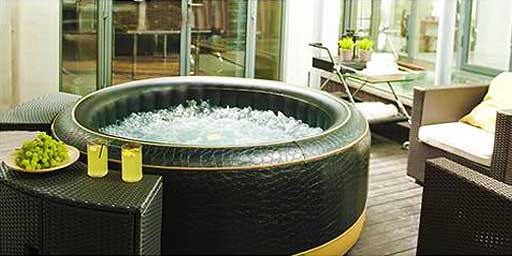 M Spa Inflatable Hot Tub